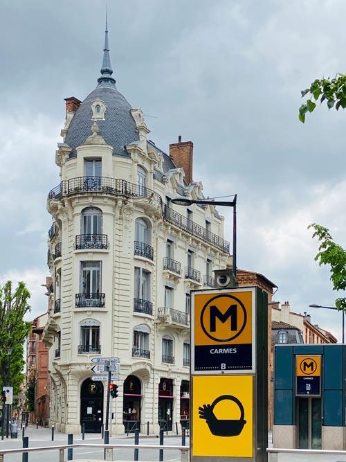Immeuble de construction en face du Métro des Carmes à Toulouse